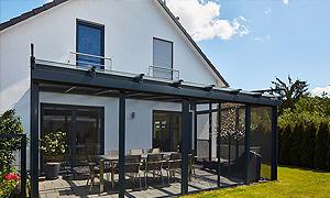 Traumhaus mit überdachter Terrasse und großen Garten